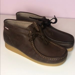 Clarks stinson hi beeswax ankle boot